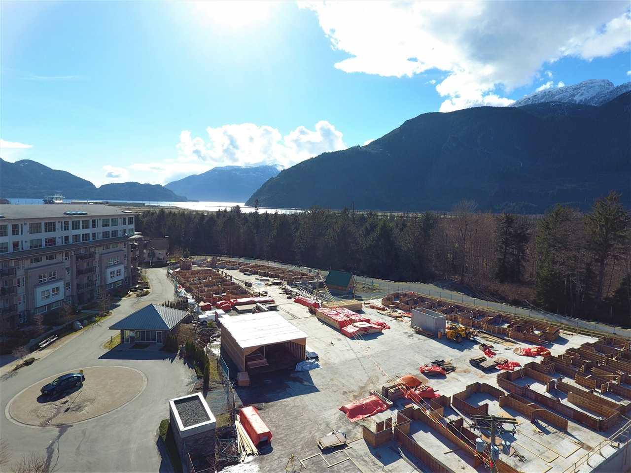Townhouse at 52 1188 MAIN STREET, Unit 52, Squamish, British Columbia. Image 5