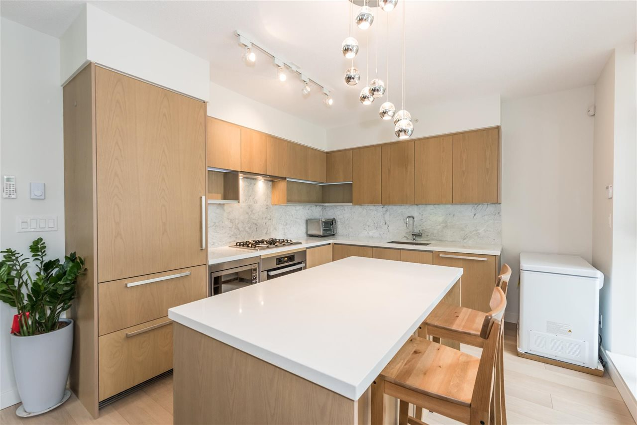 Townhouse at 6569 DUNBLANE AVENUE, Burnaby South, British Columbia. Image 4