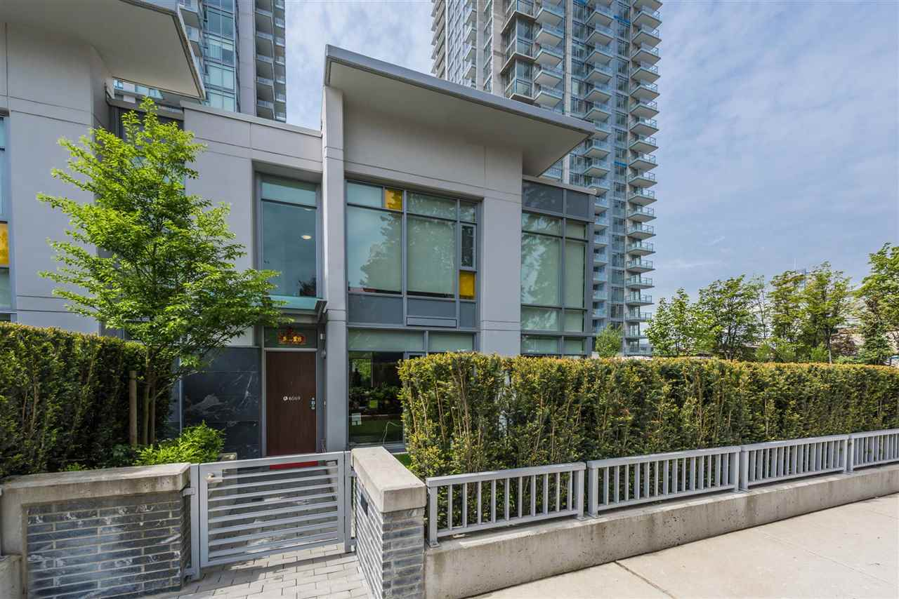 Townhouse at 6569 DUNBLANE AVENUE, Burnaby South, British Columbia. Image 13