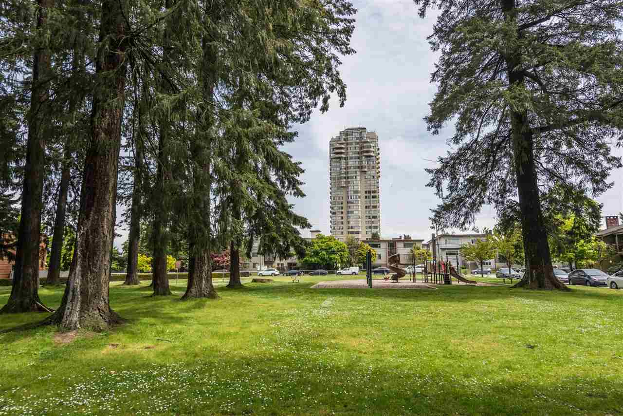 Townhouse at 6569 DUNBLANE AVENUE, Burnaby South, British Columbia. Image 14