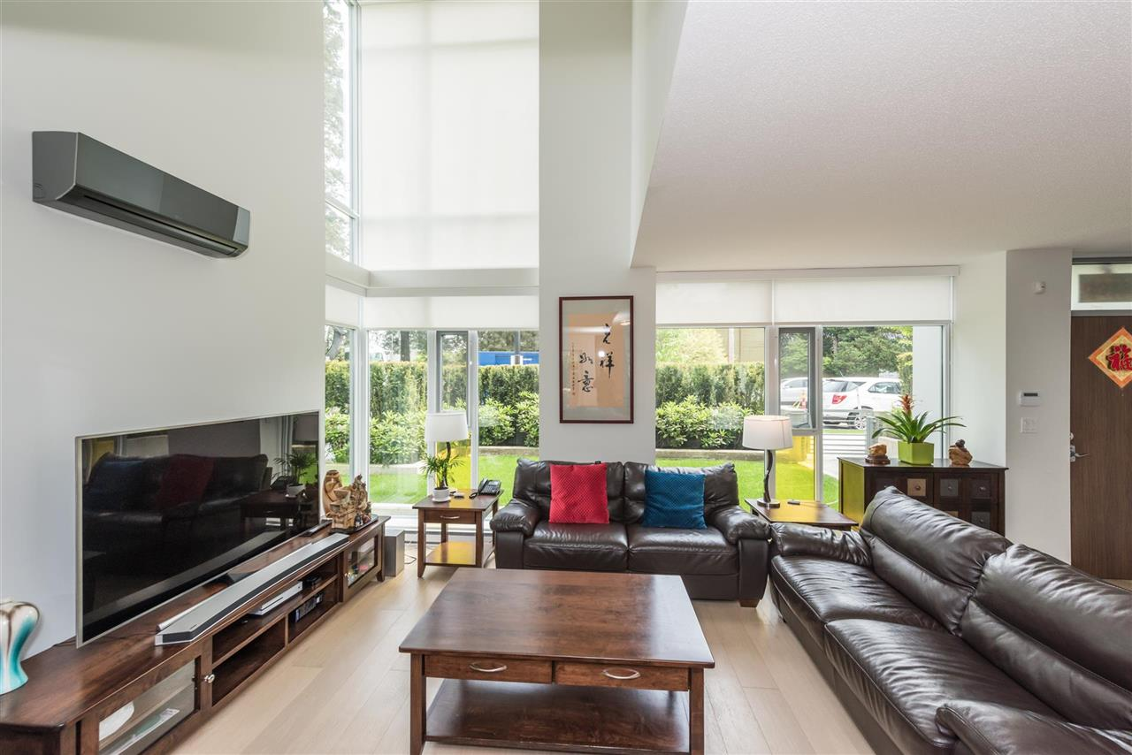 Townhouse at 6569 DUNBLANE AVENUE, Burnaby South, British Columbia. Image 17
