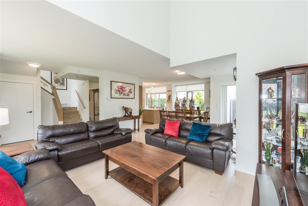 Townhouse at 6569 DUNBLANE AVENUE, Burnaby South, British Columbia. Image 18