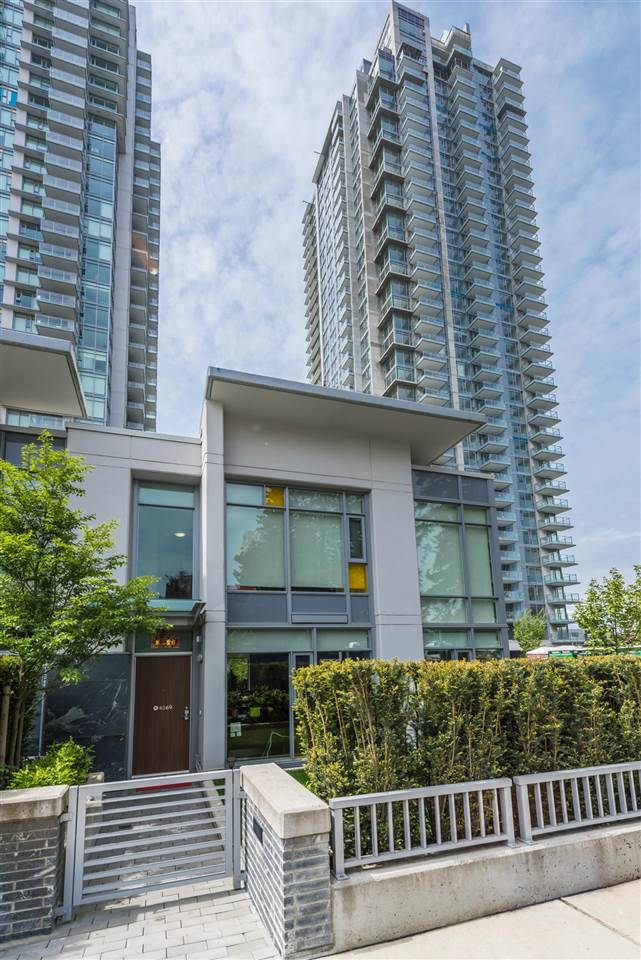 Townhouse at 6569 DUNBLANE AVENUE, Burnaby South, British Columbia. Image 20