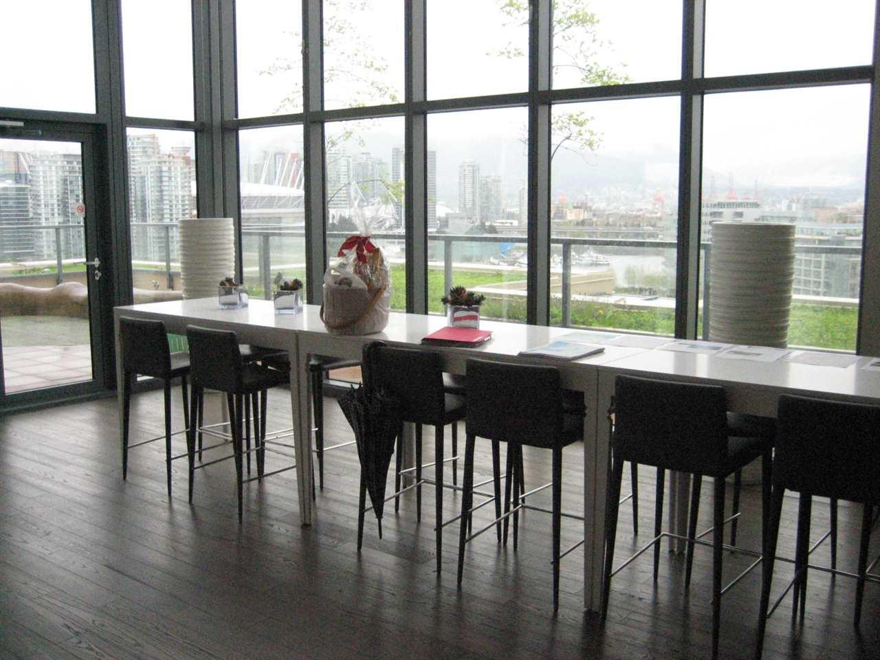 Condo Apartment at 1506 288 W 1ST AVENUE, Unit 1506, Vancouver West, British Columbia. Image 7