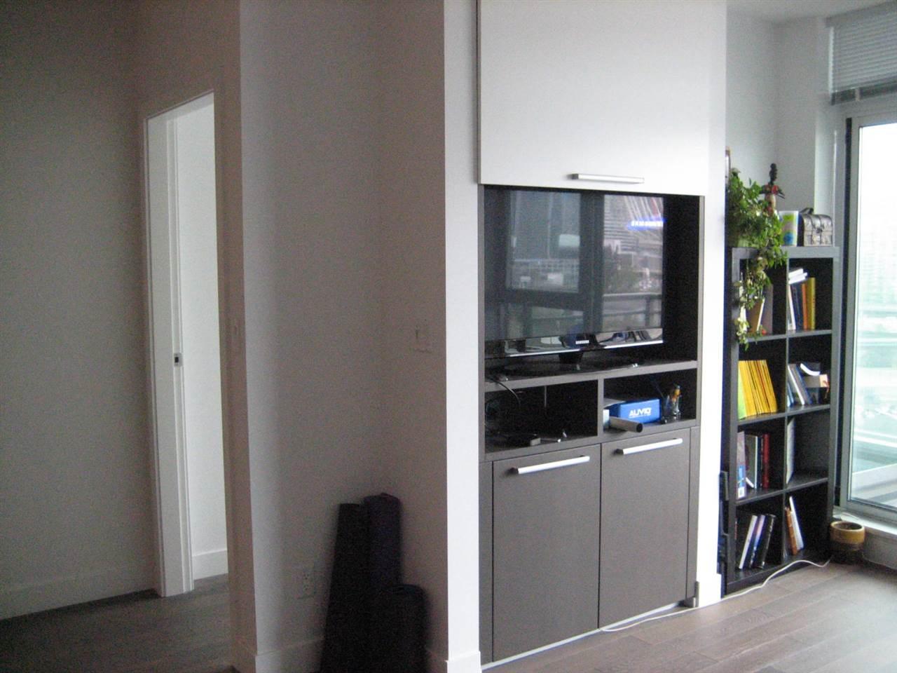 Condo Apartment at 1506 288 W 1ST AVENUE, Unit 1506, Vancouver West, British Columbia. Image 10