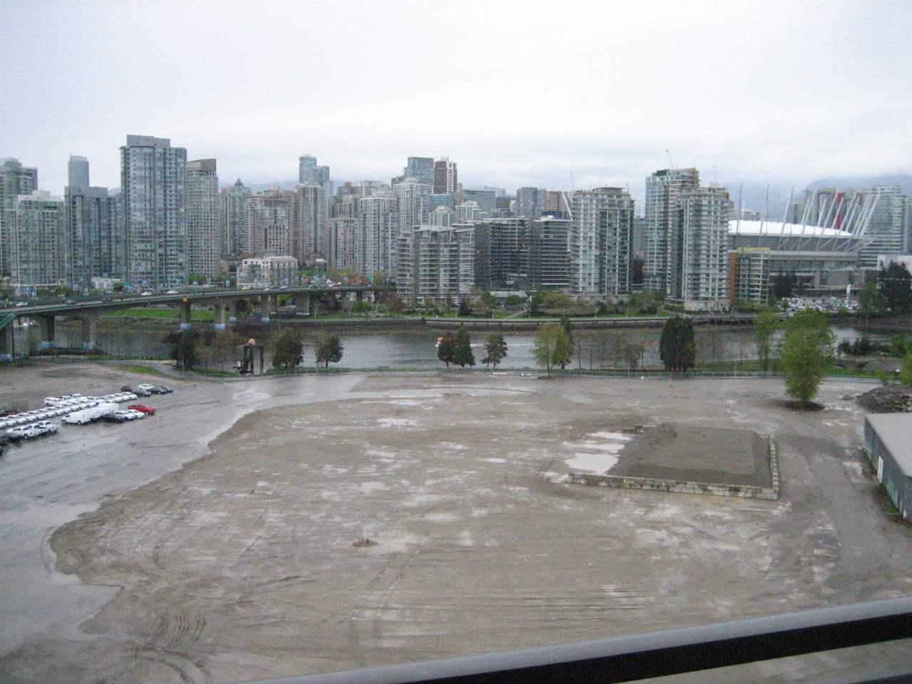 Condo Apartment at 1506 288 W 1ST AVENUE, Unit 1506, Vancouver West, British Columbia. Image 14