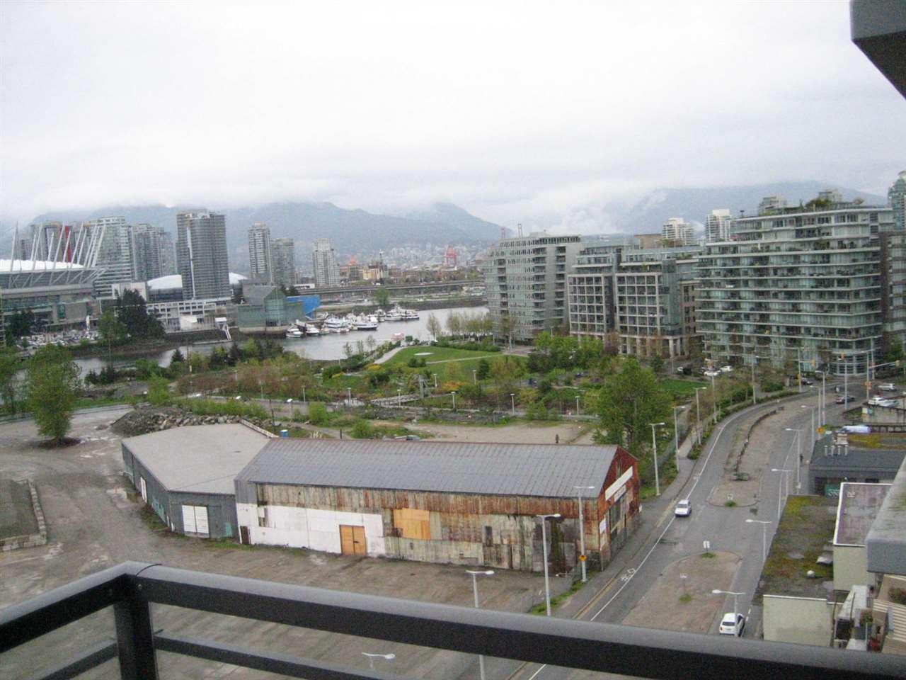 Condo Apartment at 1506 288 W 1ST AVENUE, Unit 1506, Vancouver West, British Columbia. Image 16
