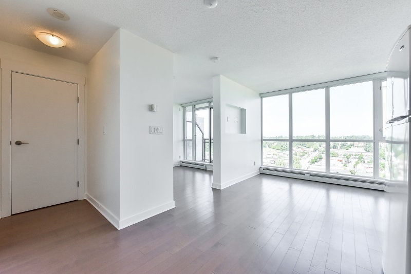 Condo Apartment at 1901 10777 UNIVERSITY DRIVE, Unit 1901, North Surrey, British Columbia. Image 6