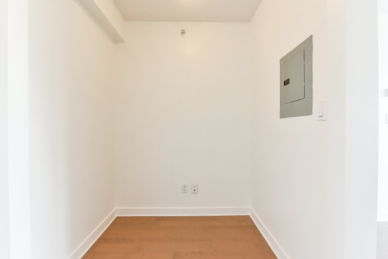 Condo Apartment at 1901 10777 UNIVERSITY DRIVE, Unit 1901, North Surrey, British Columbia. Image 7