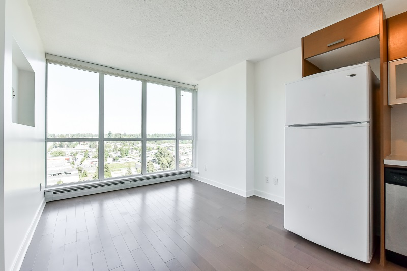 Condo Apartment at 1901 10777 UNIVERSITY DRIVE, Unit 1901, North Surrey, British Columbia. Image 8