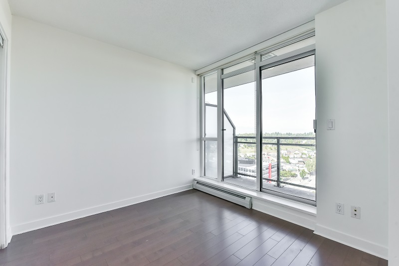 Condo Apartment at 1901 10777 UNIVERSITY DRIVE, Unit 1901, North Surrey, British Columbia. Image 10