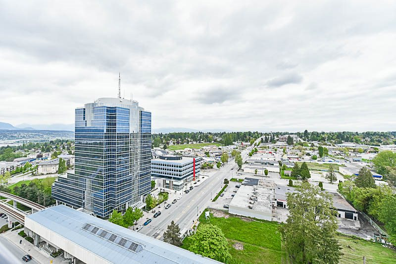 Condo Apartment at 1901 10777 UNIVERSITY DRIVE, Unit 1901, North Surrey, British Columbia. Image 13