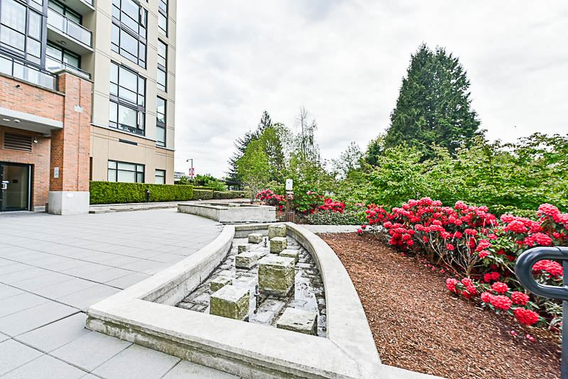 Condo Apartment at 1901 10777 UNIVERSITY DRIVE, Unit 1901, North Surrey, British Columbia. Image 17
