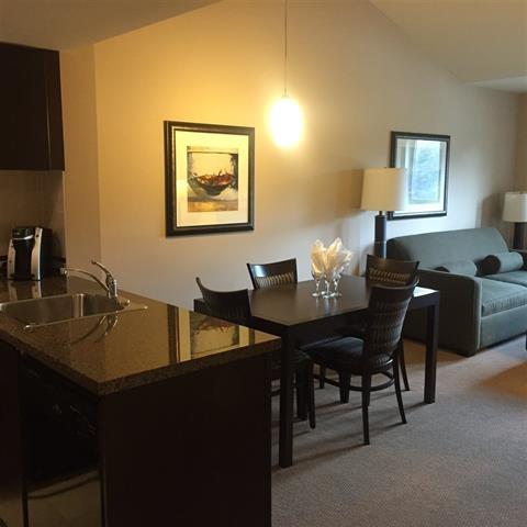 Condo Apartment at 414 40900 TANTALUS ROAD, Unit 414, Squamish, British Columbia. Image 3