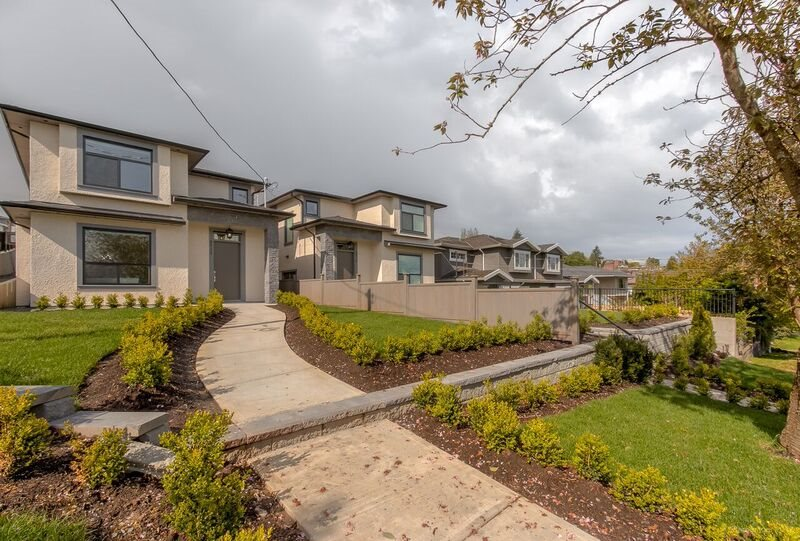 Half-duplex at 4935 GEORGIA STREET, Burnaby North, British Columbia. Image 20