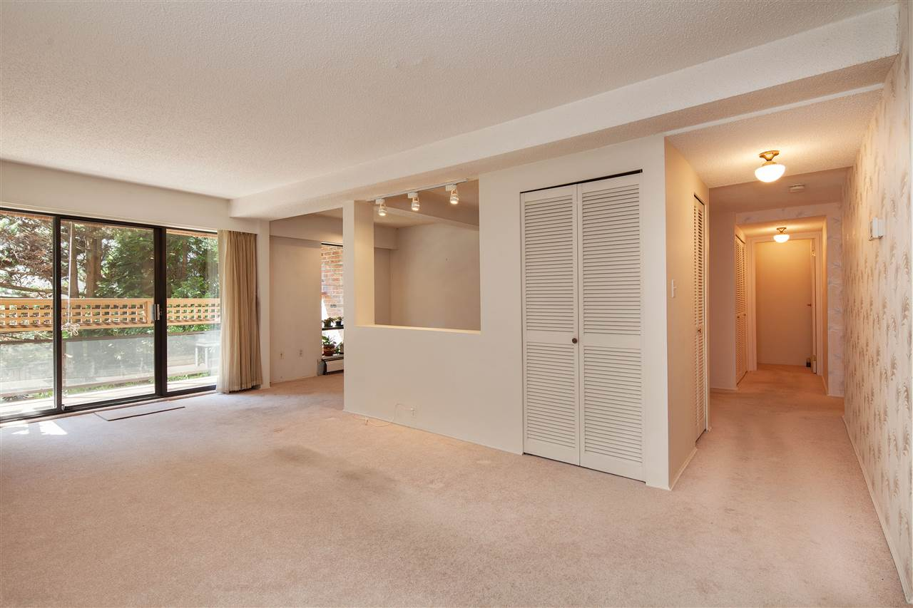 Condo Apartment at 217 2320 W 40TH AVENUE, Unit 217, Vancouver West, British Columbia. Image 3