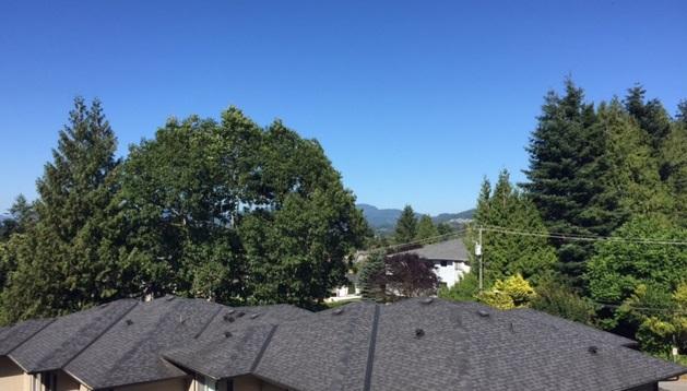 Condo Apartment at 405 33255 OLD YALE ROAD, Unit 405, Abbotsford, British Columbia. Image 3