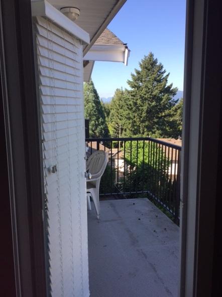 Condo Apartment at 405 33255 OLD YALE ROAD, Unit 405, Abbotsford, British Columbia. Image 4