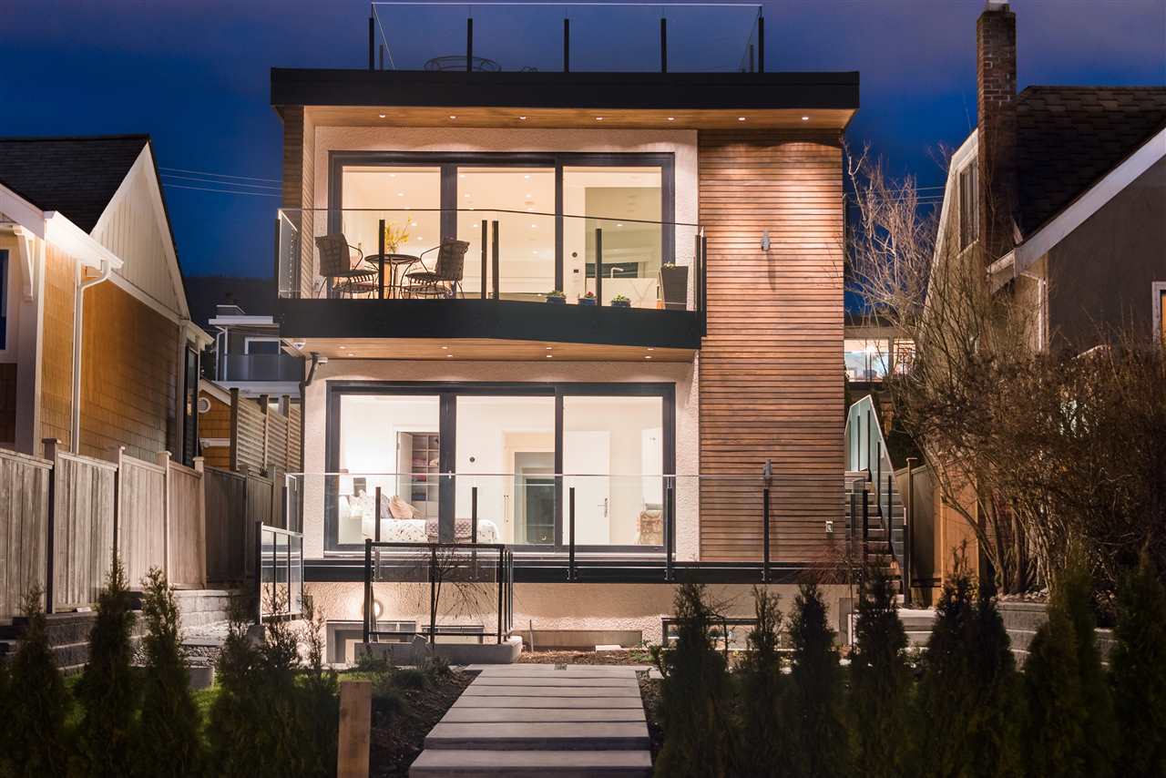 Detached at 1247 KEITH ROAD, West Vancouver, British Columbia. Image 5