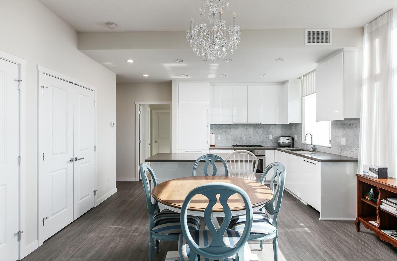 Condo Apartment at 1703 7328 GOLLNER AVENUE, Unit 1703, Richmond, British Columbia. Image 13