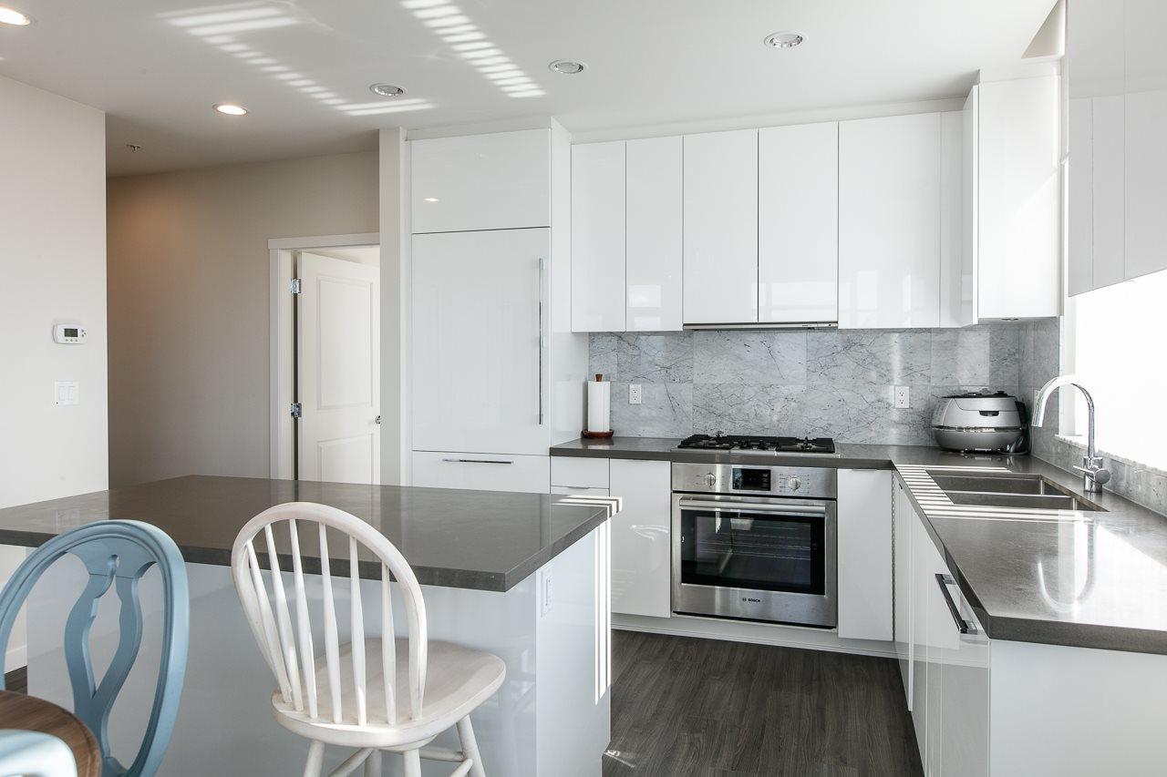 Condo Apartment at 1703 7328 GOLLNER AVENUE, Unit 1703, Richmond, British Columbia. Image 14