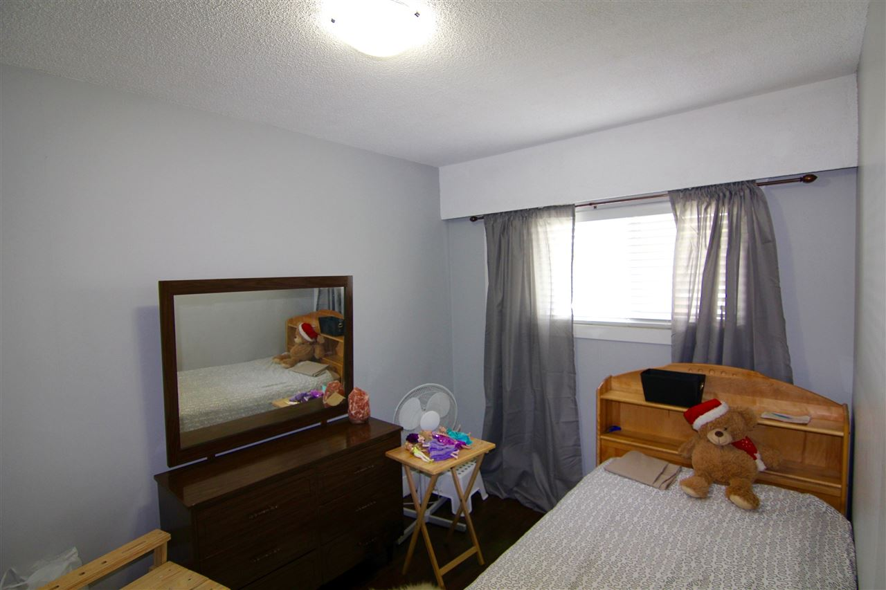 Townhouse at 7671 KINGSWAY, Burnaby East, British Columbia. Image 6
