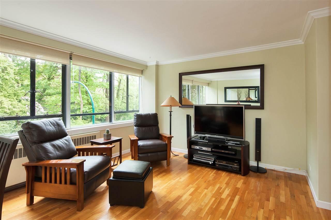 Condo Apartment at 511 1445 MARPOLE AVENUE, Unit 511, Vancouver West, British Columbia. Image 6