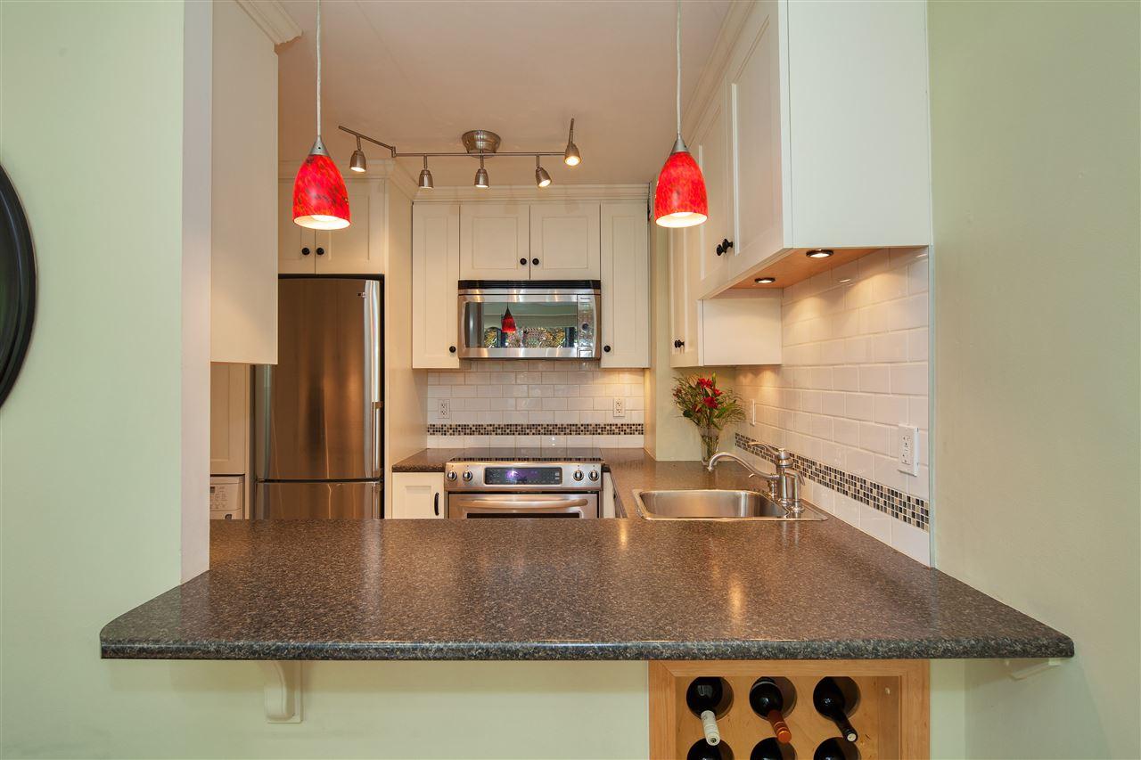 Condo Apartment at 511 1445 MARPOLE AVENUE, Unit 511, Vancouver West, British Columbia. Image 10