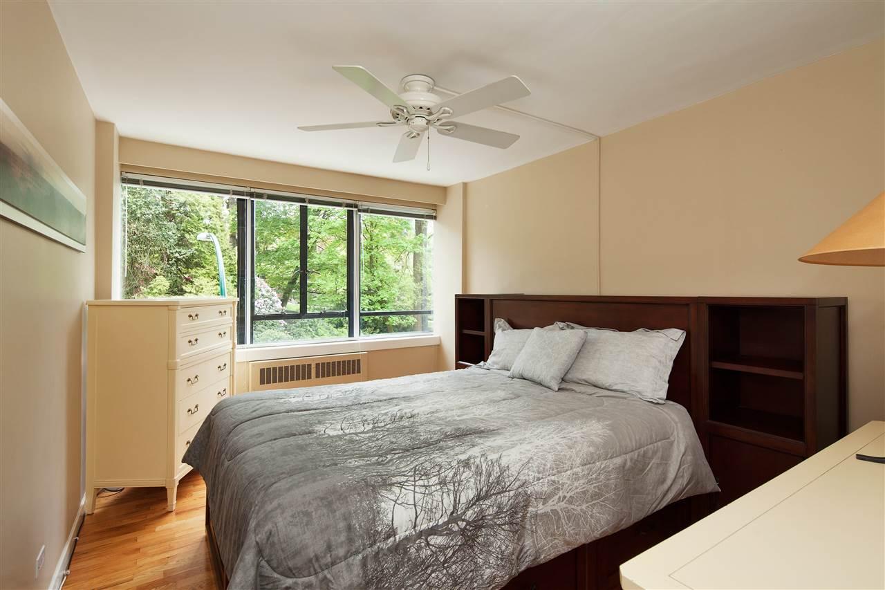 Condo Apartment at 511 1445 MARPOLE AVENUE, Unit 511, Vancouver West, British Columbia. Image 11