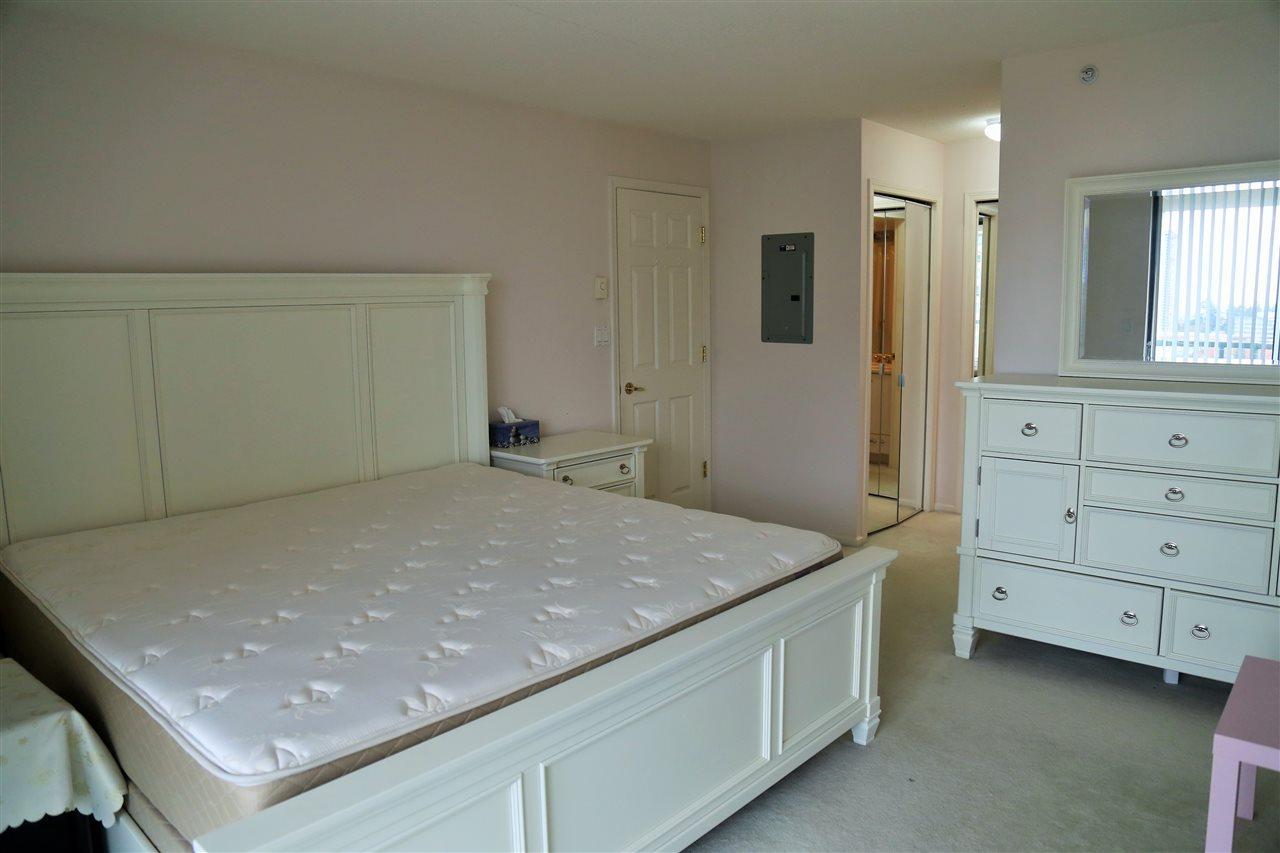 Condo Apartment at 1703 4505 HAZEL STREET, Unit 1703, Burnaby South, British Columbia. Image 5