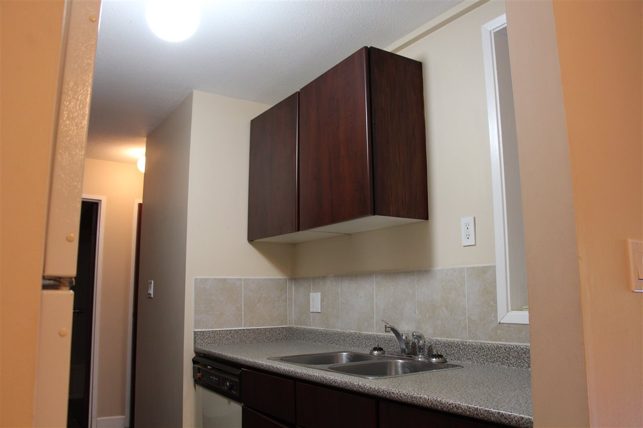 Condo Apartment at 303 33598 GEORGE FERGUSON WAY, Unit 303, Abbotsford, British Columbia. Image 5
