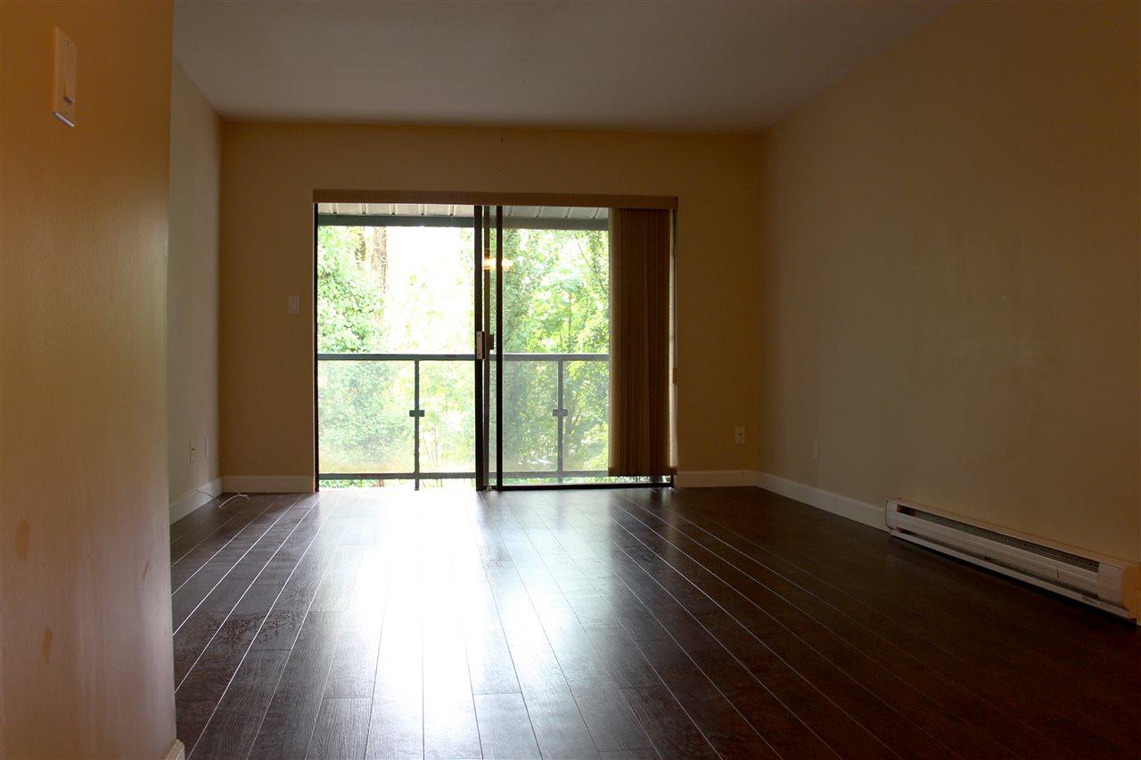 Condo Apartment at 303 33598 GEORGE FERGUSON WAY, Unit 303, Abbotsford, British Columbia. Image 7