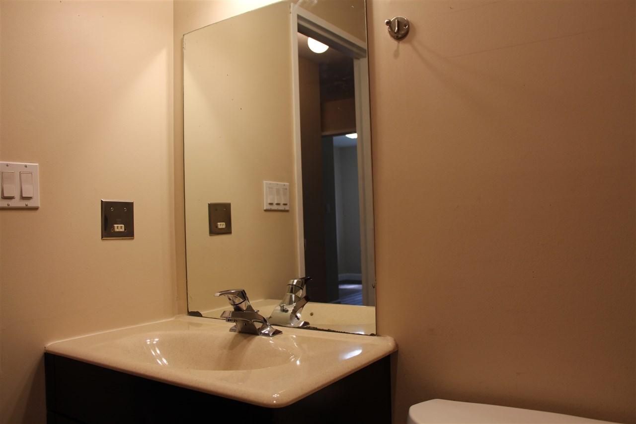 Condo Apartment at 303 33598 GEORGE FERGUSON WAY, Unit 303, Abbotsford, British Columbia. Image 14