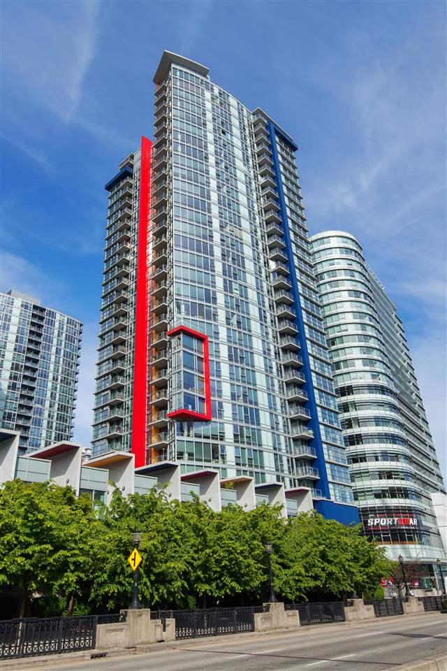 Condo Apartment at 3101 111 W GEORGIA STREET, Unit 3101, Vancouver West, British Columbia. Image 1