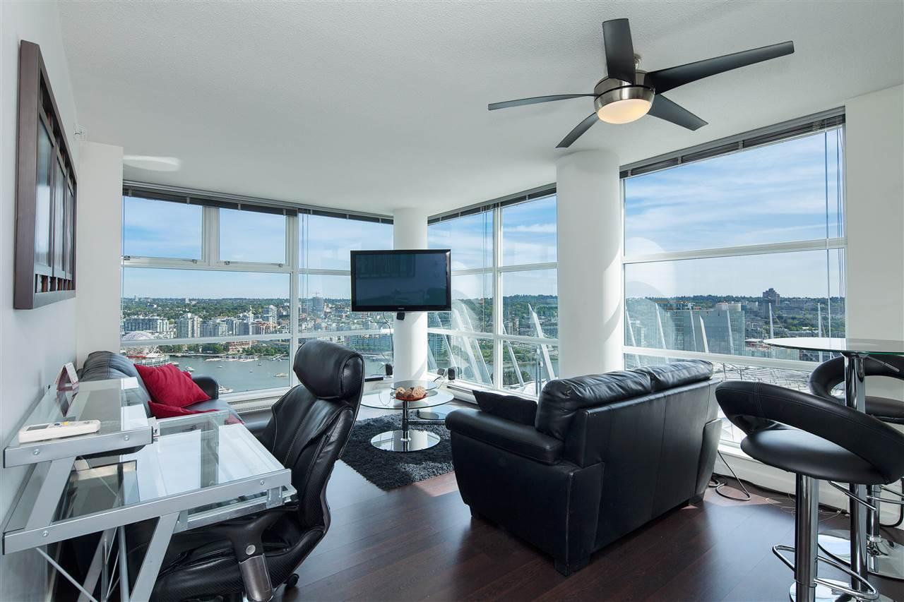 Condo Apartment at 3101 111 W GEORGIA STREET, Unit 3101, Vancouver West, British Columbia. Image 2