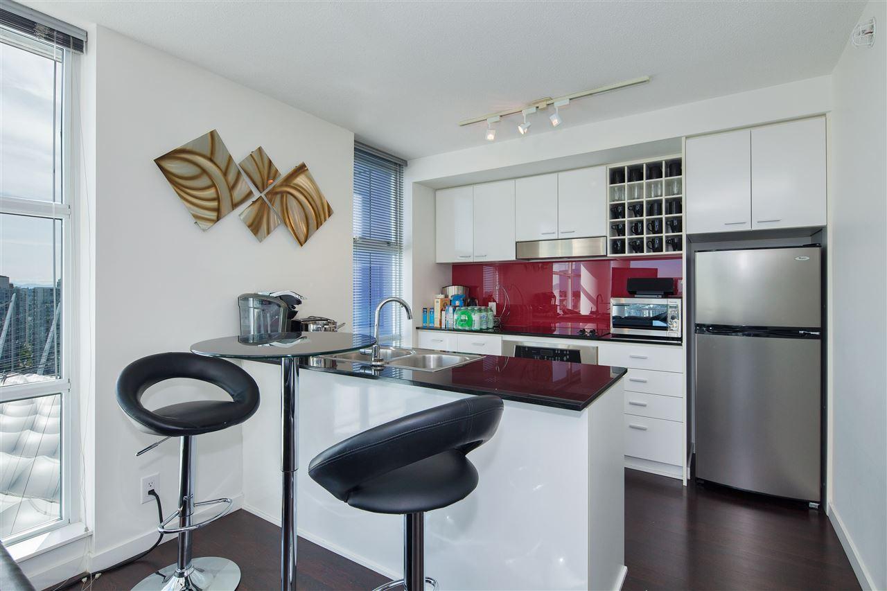 Condo Apartment at 3101 111 W GEORGIA STREET, Unit 3101, Vancouver West, British Columbia. Image 5