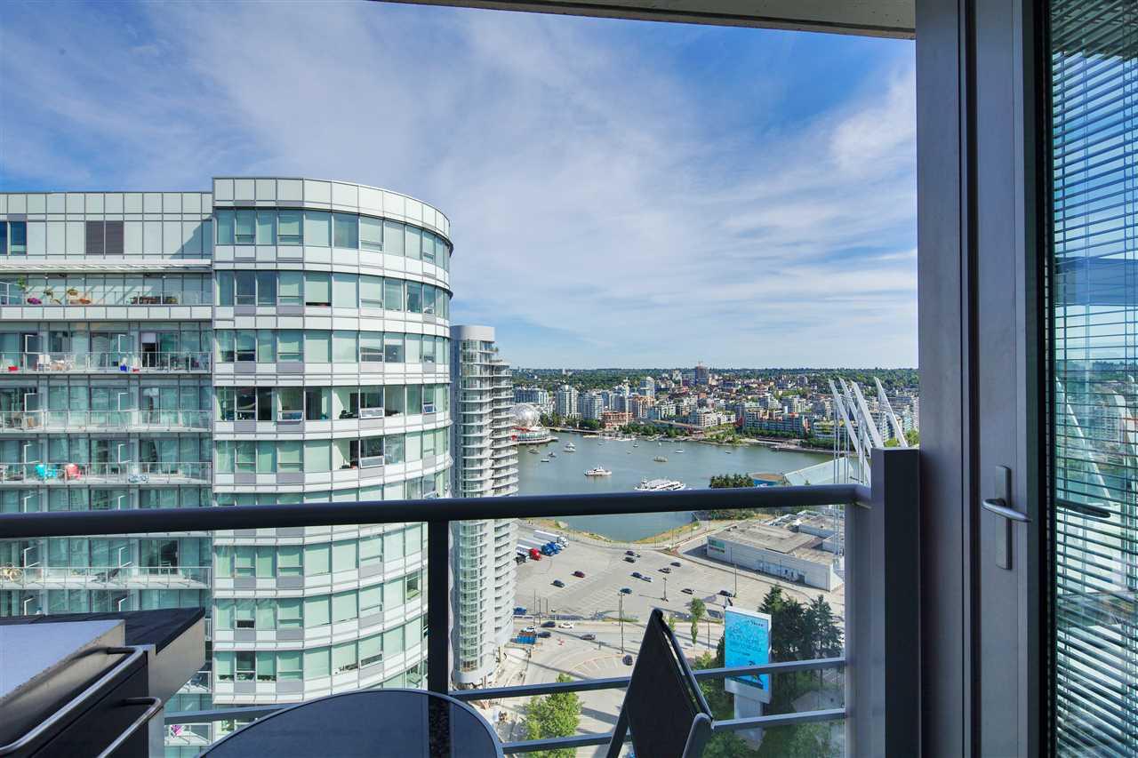 Condo Apartment at 3101 111 W GEORGIA STREET, Unit 3101, Vancouver West, British Columbia. Image 11