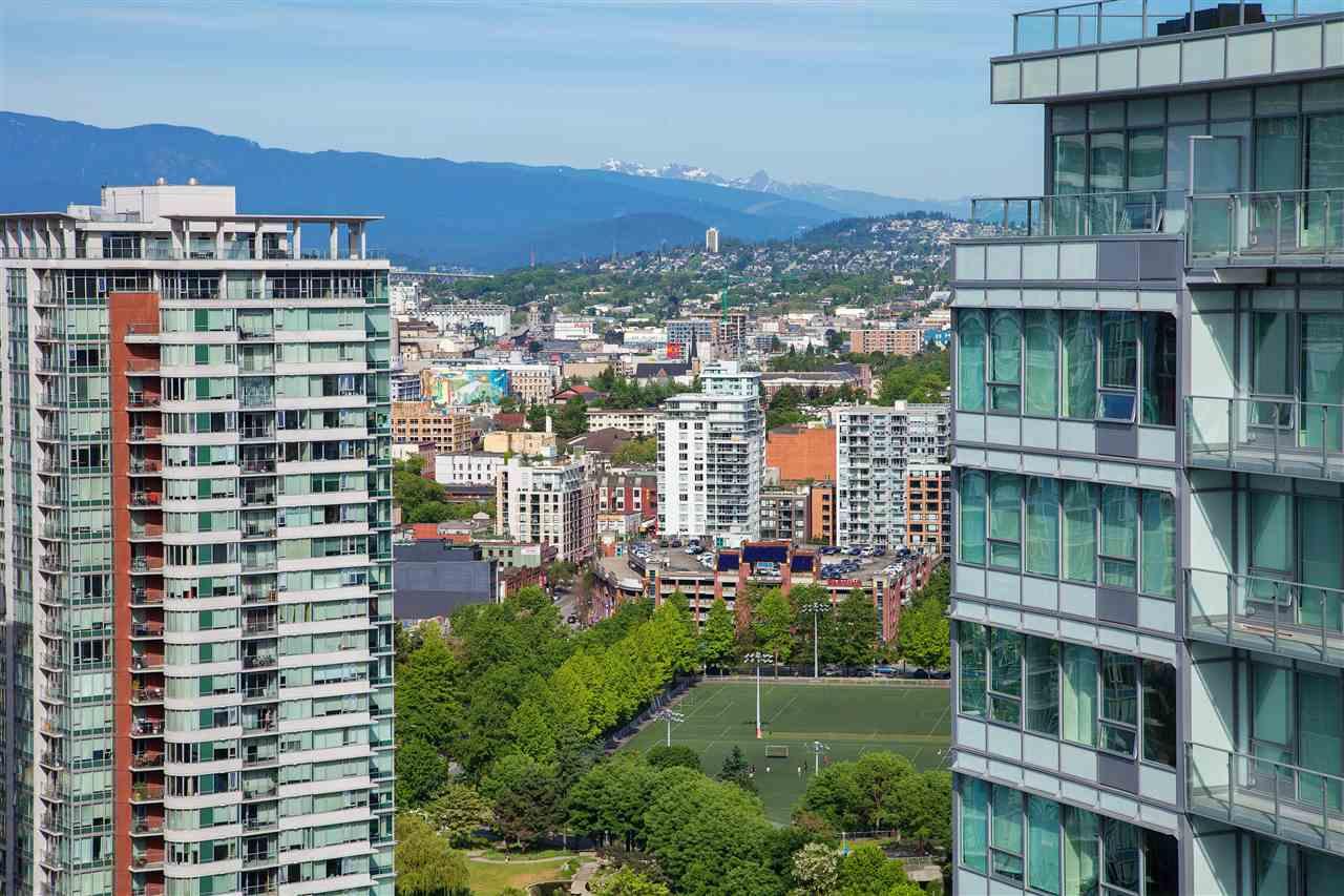 Condo Apartment at 3101 111 W GEORGIA STREET, Unit 3101, Vancouver West, British Columbia. Image 13