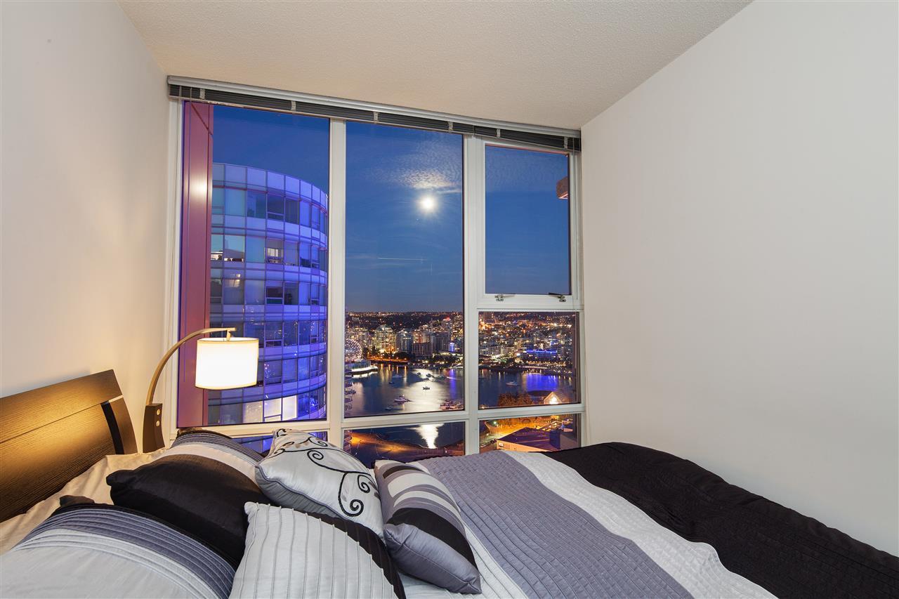 Condo Apartment at 3101 111 W GEORGIA STREET, Unit 3101, Vancouver West, British Columbia. Image 18
