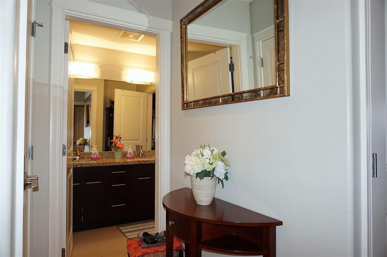 Condo Apartment at 303 2970 KING GEORGE BOULEVARD, Unit 303, South Surrey White Rock, British Columbia. Image 3
