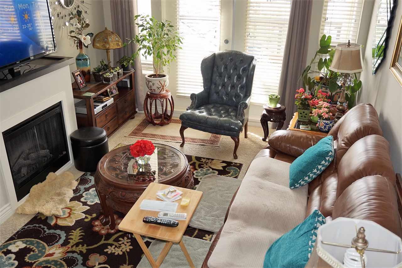 Condo Apartment at 303 2970 KING GEORGE BOULEVARD, Unit 303, South Surrey White Rock, British Columbia. Image 5