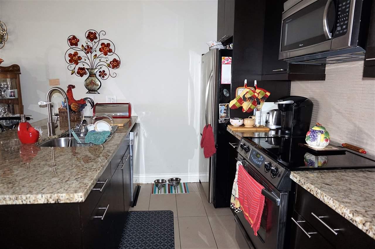 Condo Apartment at 303 2970 KING GEORGE BOULEVARD, Unit 303, South Surrey White Rock, British Columbia. Image 7