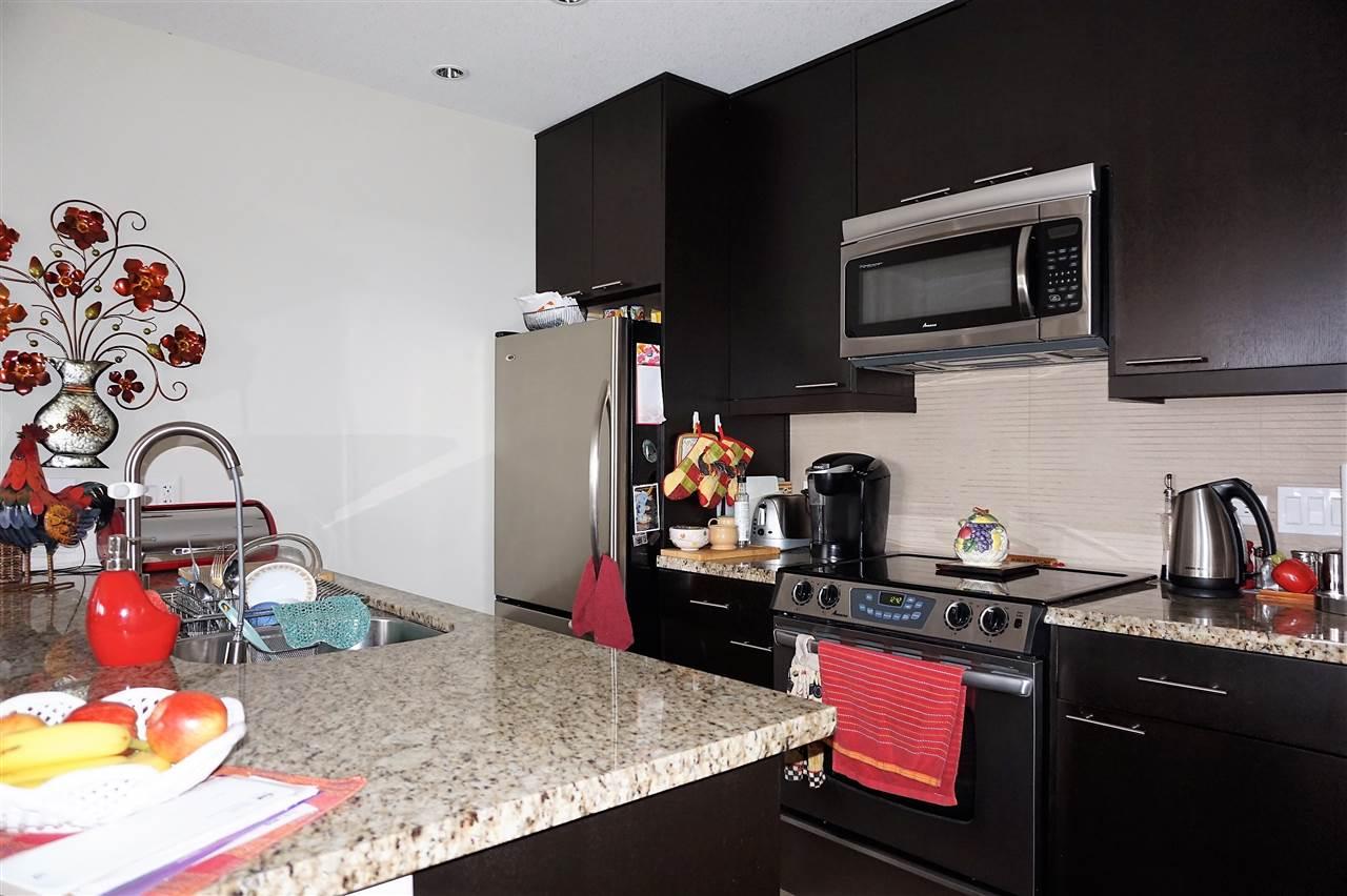 Condo Apartment at 303 2970 KING GEORGE BOULEVARD, Unit 303, South Surrey White Rock, British Columbia. Image 8