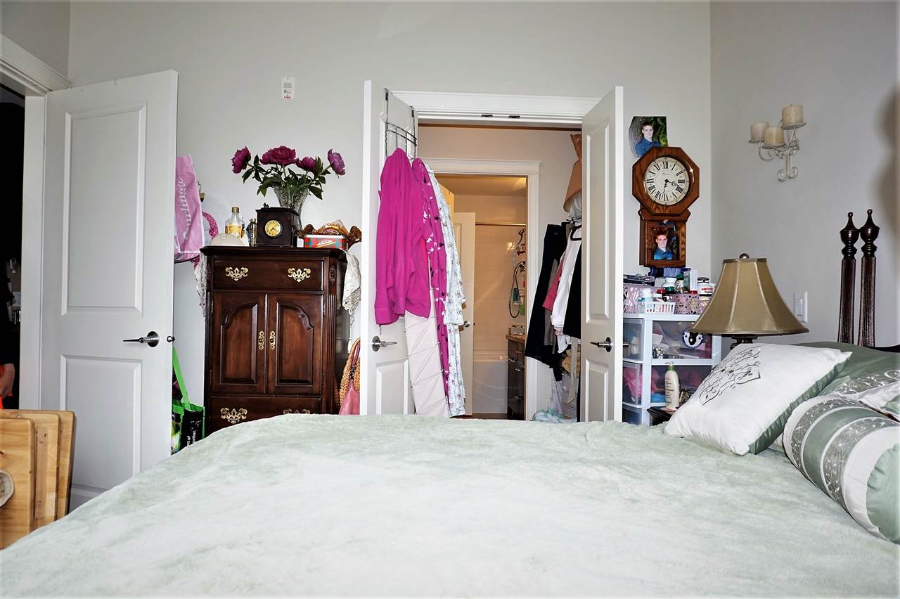 Condo Apartment at 303 2970 KING GEORGE BOULEVARD, Unit 303, South Surrey White Rock, British Columbia. Image 11