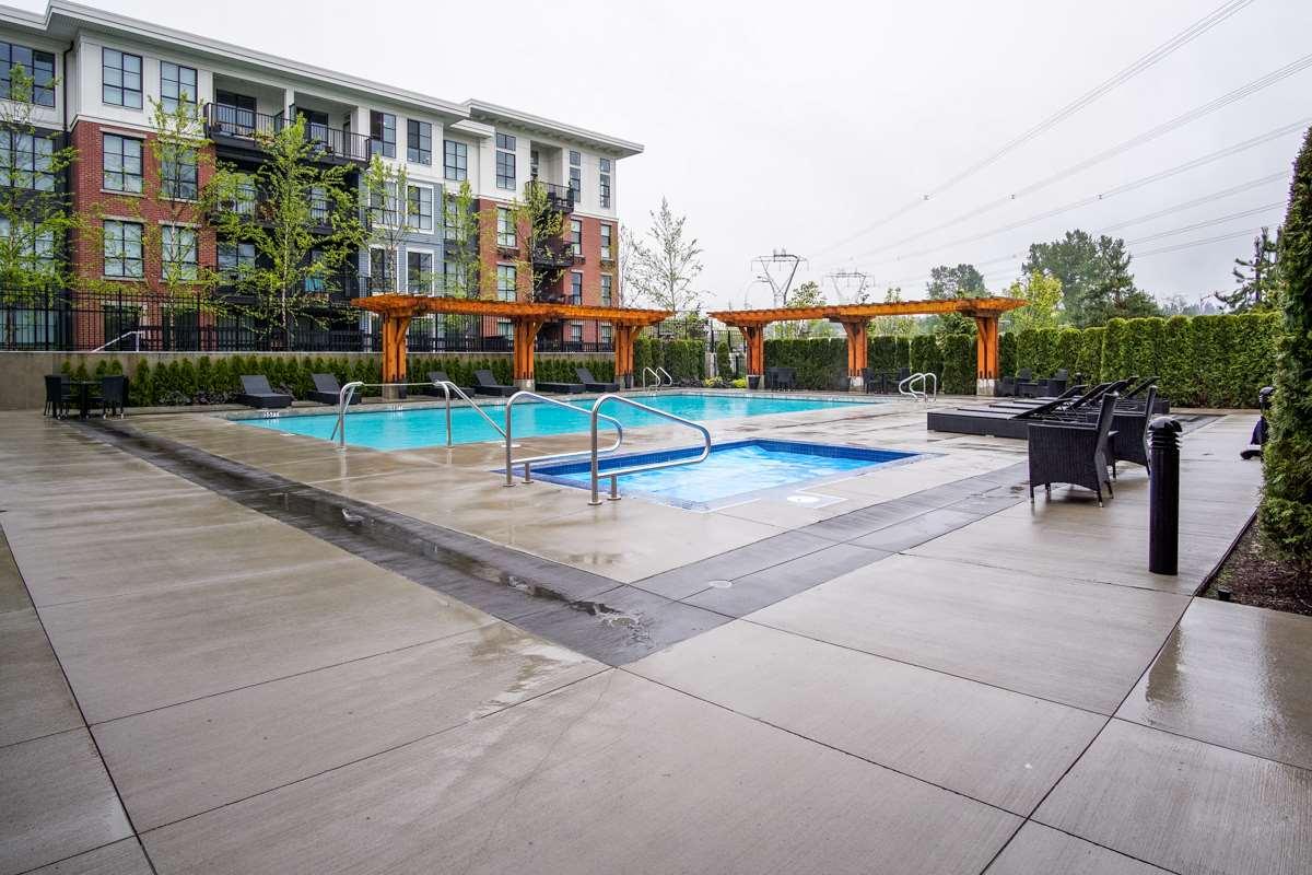 Condo Apartment at 421 15168 33 AVENUE, Unit 421, South Surrey White Rock, British Columbia. Image 7