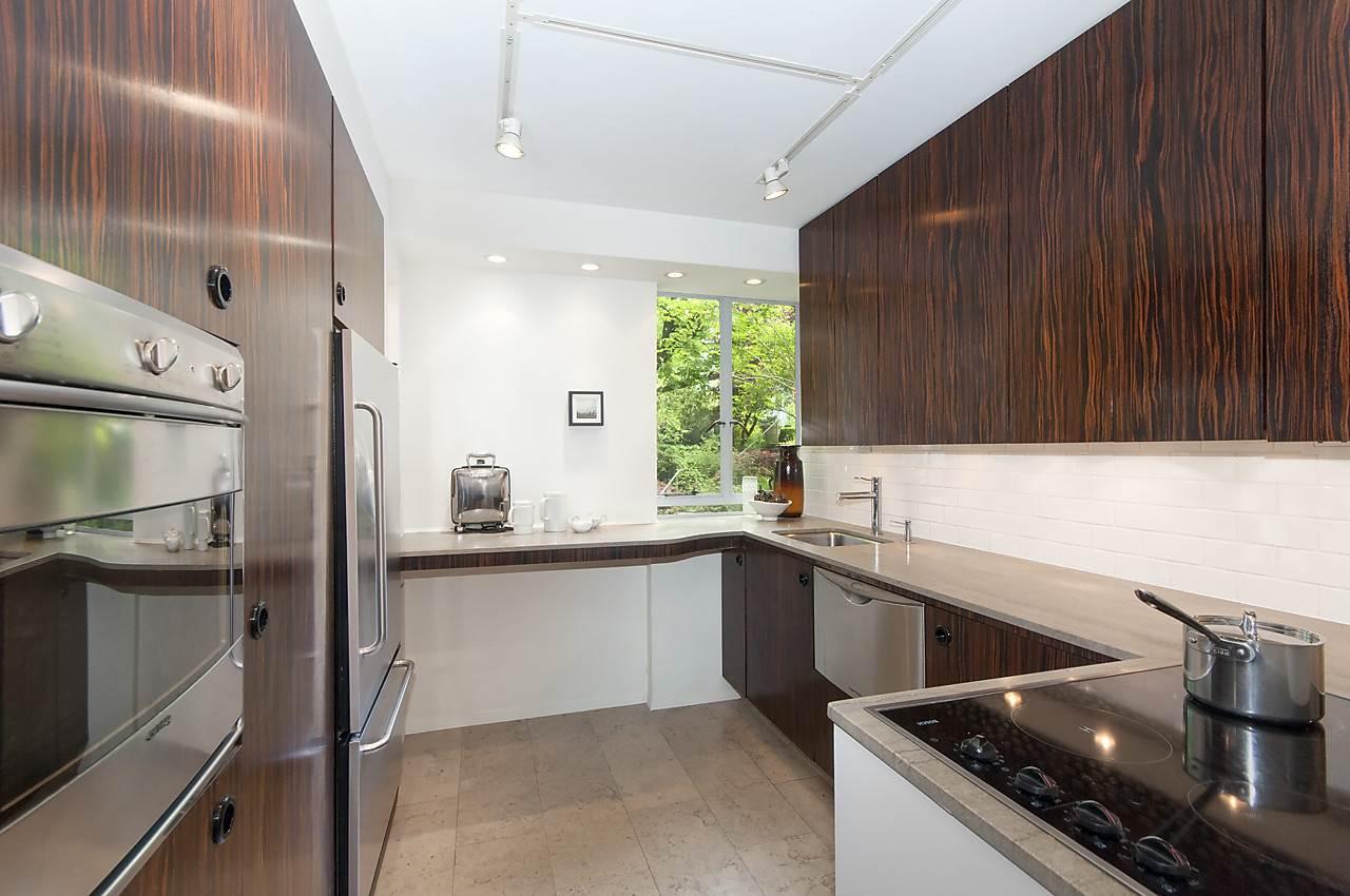 Condo Apartment at 218 1445 MARPOLE AVENUE, Unit 218, Vancouver West, British Columbia. Image 12