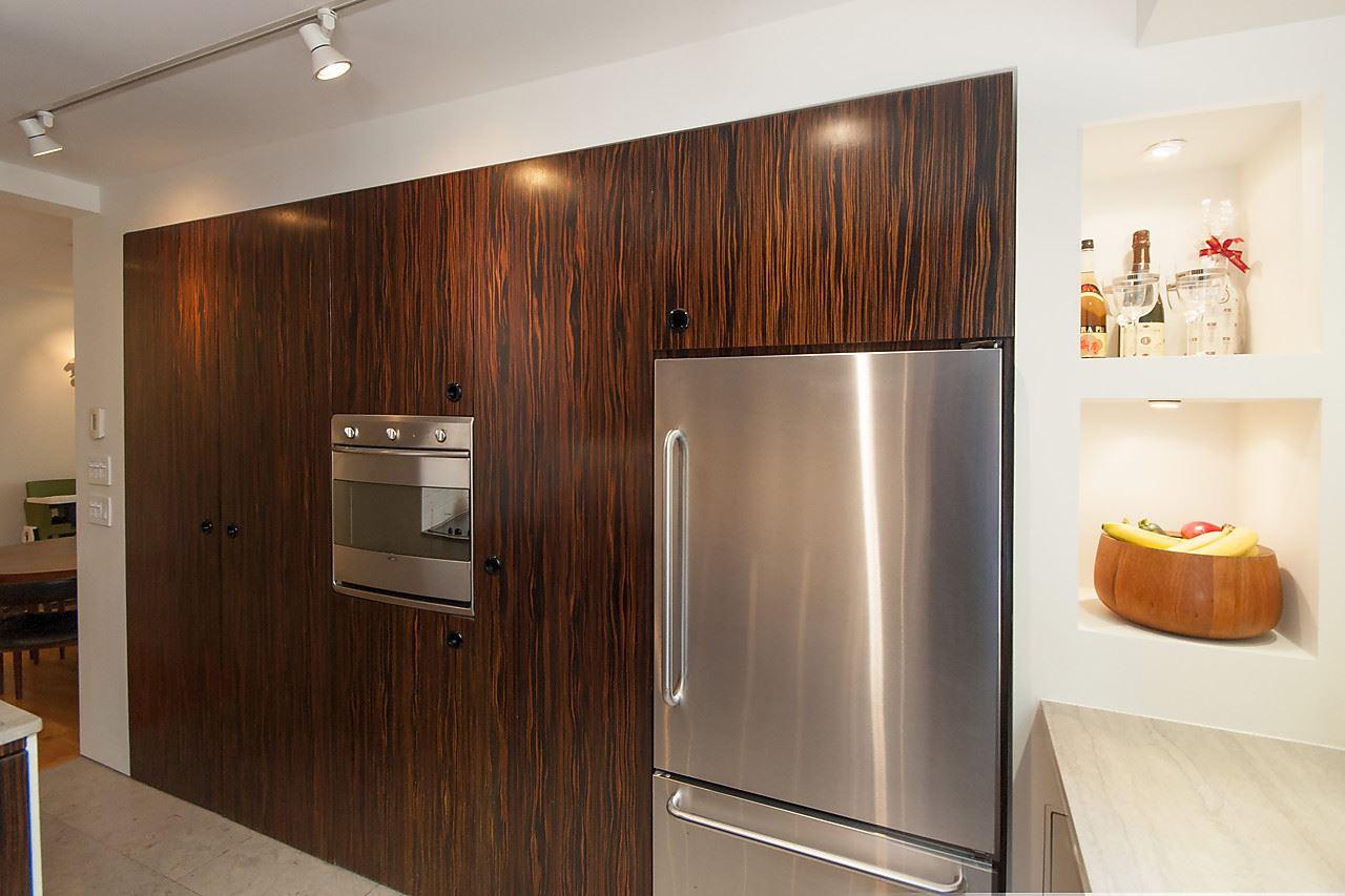 Condo Apartment at 218 1445 MARPOLE AVENUE, Unit 218, Vancouver West, British Columbia. Image 13