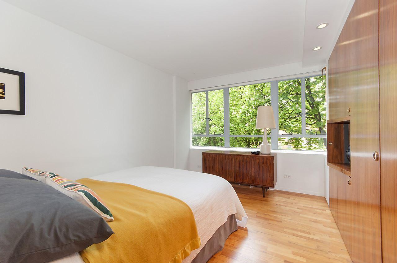 Condo Apartment at 218 1445 MARPOLE AVENUE, Unit 218, Vancouver West, British Columbia. Image 16