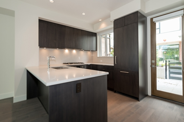 Townhouse at 5436 OAK STREET, Vancouver West, British Columbia. Image 4