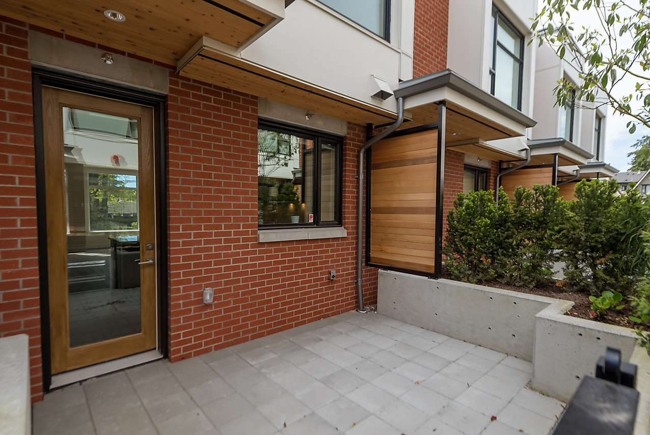 Townhouse at 5436 OAK STREET, Vancouver West, British Columbia. Image 7